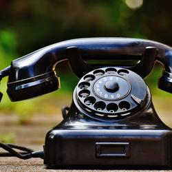 Thumbnail for Virtual Phone Systems: The 5 Best Apps to Move Your Business Phone to the Cloud